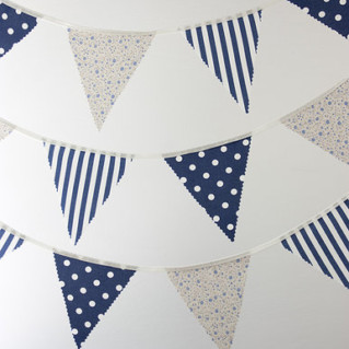 blue & white patterned bunting