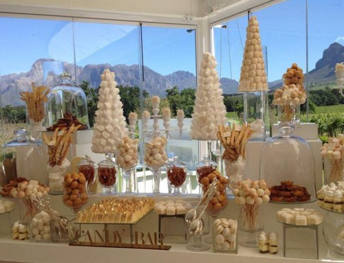 The sweeter things in life – wedding cakes and candy tables
