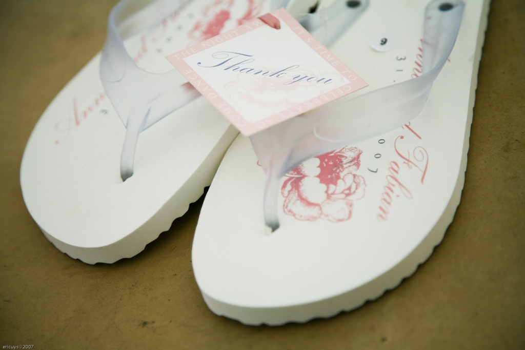 Wedding Flip Flops Give Your Guests A Break I Do Inspirations
